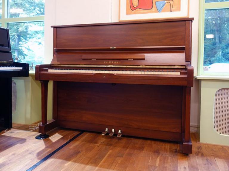 Yamaha-U1A-noten